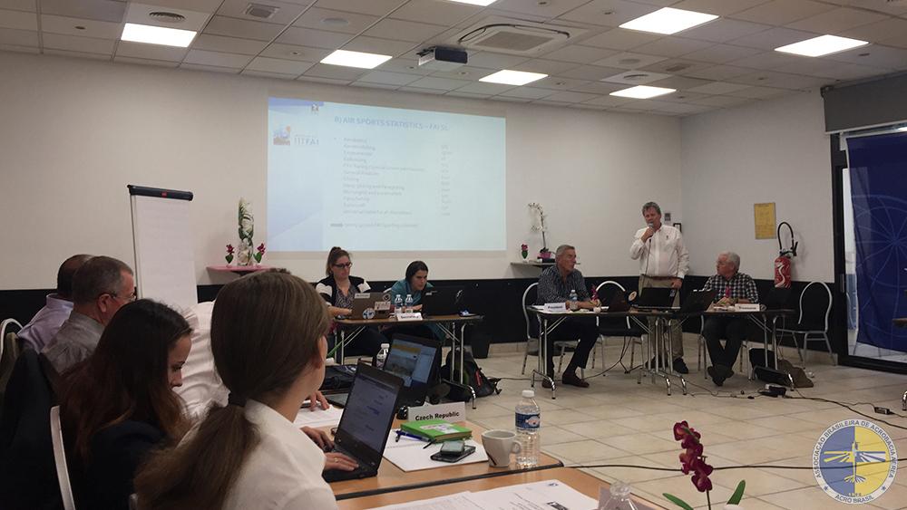 Visa-Matti apresentando as propostas da FAI