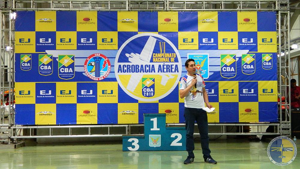 Fernando Locatelli, presidente do CBA, abrindo a cerimônia de premiação